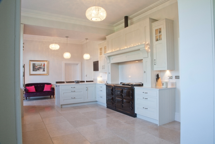 Bespoke kitchens luxury kitchens handcrafted furniture for Period kitchen design
