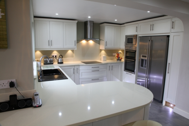 Bespoke contemporary kitchens leicestershire bespoke for Contemporary kitchens uk