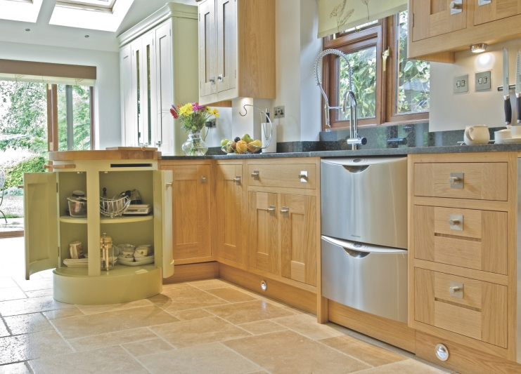 oak shaker kitchen cabinets kitchens leicestershire bespoke kitchens 23868