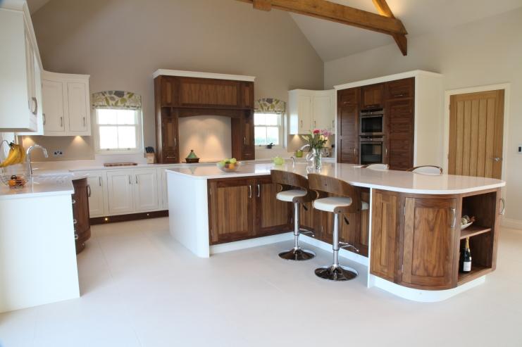 Walnut open plan kitchen designs bespoke kitchens for Open kitchen images