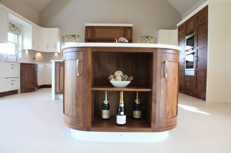 Walnut open plan kitchen designs bespoke kitchens for Kitchen island with rounded end