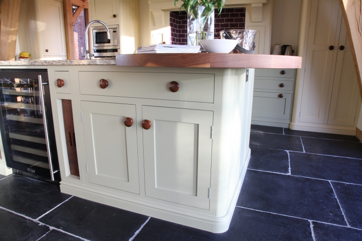 Luxury shaker bespoke kitchen design bespoke kitchens for Kitchen island with rounded end