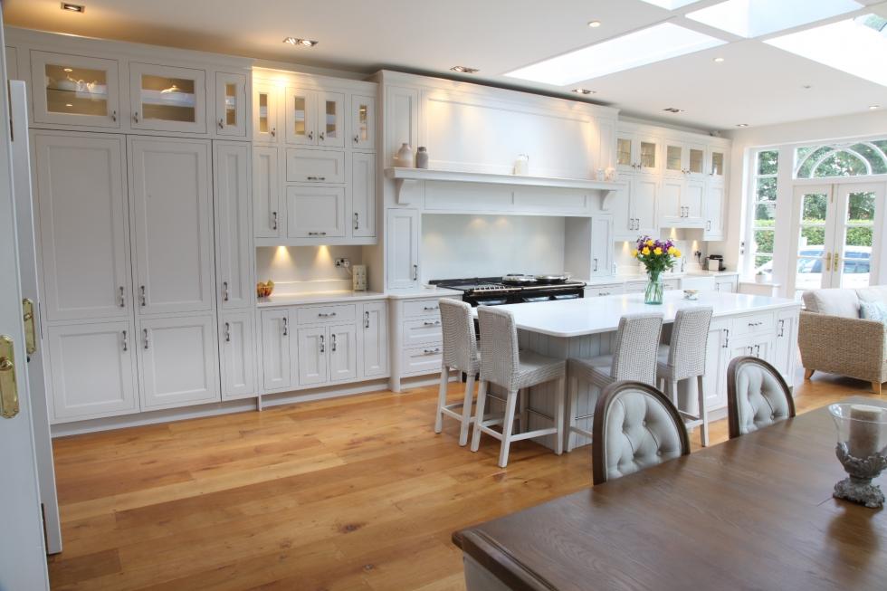 Elegant White Hand Painted Kitchen Bespoke Kitchens