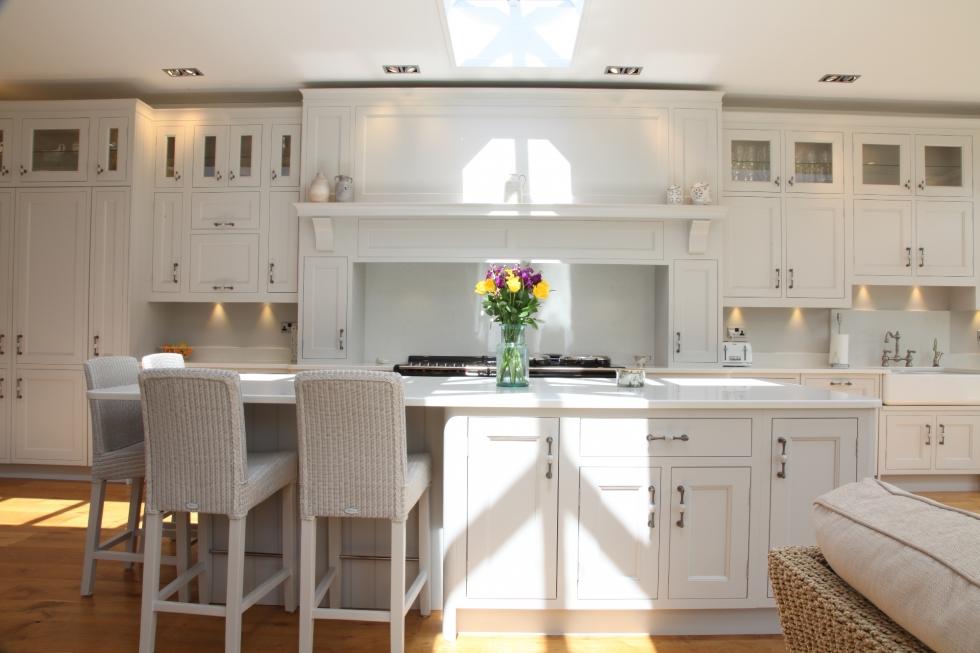 Elegant White Hand Painted Kitchen | Bespoke Kitchens