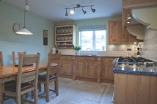 Character oak and hand-painted kitchen