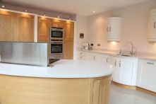 Island with convector hob with downdraught extractor
