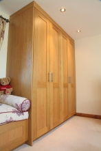 Fitted wardrobes - floor to ceiling