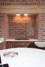Glass alcove splashback