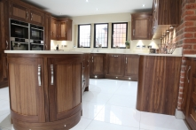Curved cabinets with curved pillars