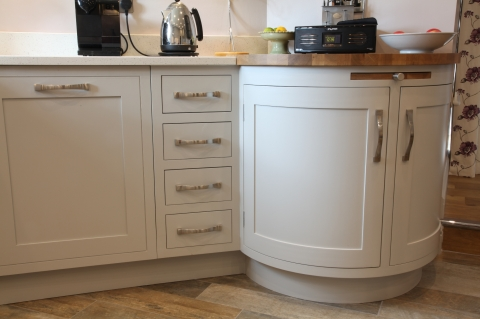Curved cabinet with 40mm staved oak top